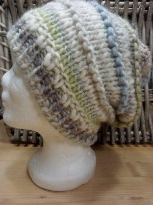Handmade Bonnet blanc cassé