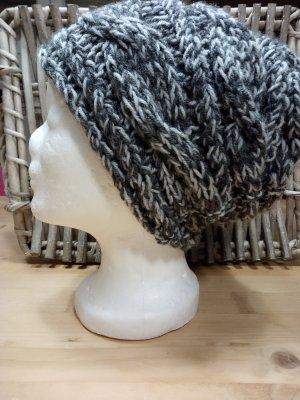 Handmade Cappello a maglia grigio chiaro-grigio