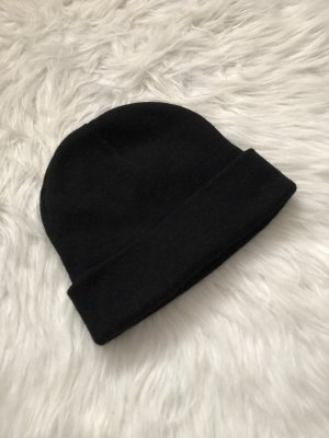 Bershka Cappello in tessuto nero
