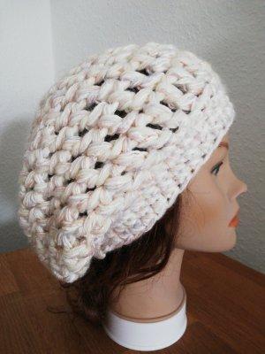 Bonnet en crochet multicolore
