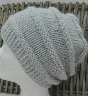 Handmade Cappello a maglia grigio chiaro