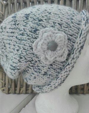 Handarbeit Cappello a maglia grigio chiaro-blu scuro