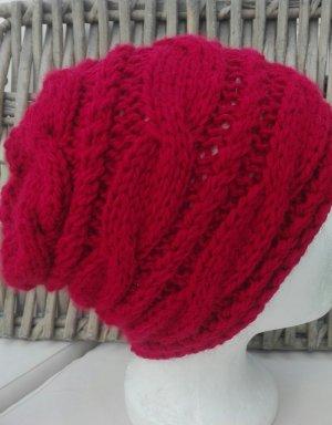 Handarbeit Chapeau en tricot rouge foncé