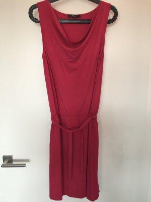 Beerenfarbenes Jerseykleid