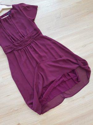 beerenfarbiges Kleid