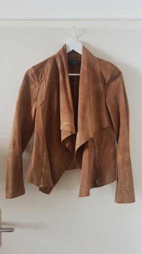 Beige Kurzjacke von Zara