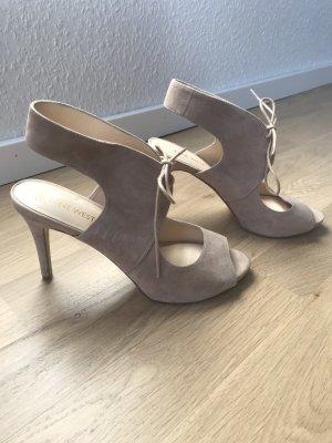 Beige Sandaletten mit Pfennigabsätze