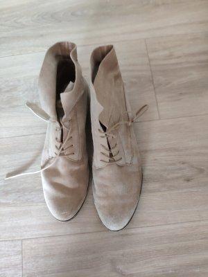 Beige Schuhe