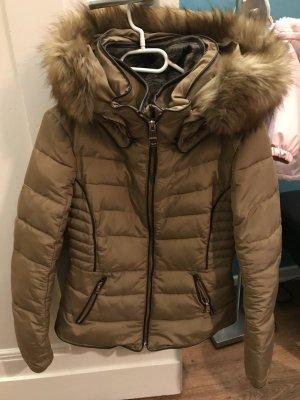 Beige Winterjacke von Zara