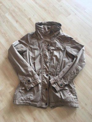 Beigebraune Jacke von CAMPUS für Frühling/Sommer