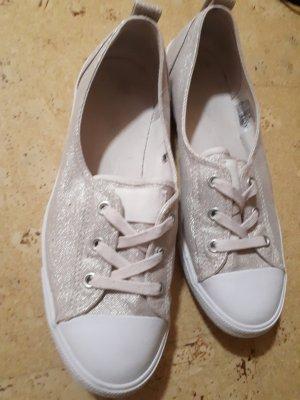 beigefarbene Glitzer-Sneaker