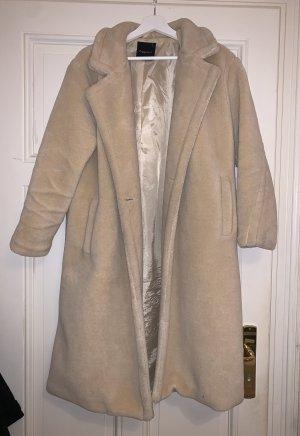 Beigefarbener Mantel in Größe S/M