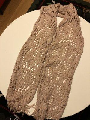 Beigefarbener Schal