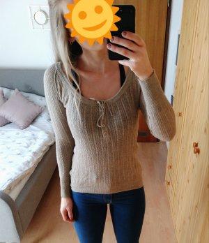 beiger dünner Pullover mit Schleife und Knöpfen