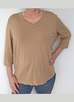 beiges T-Shirt von Basler mit Goldverzierung am  V-Ausschnitt, Größe 48
