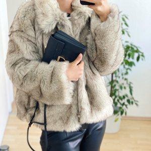 Beliebte Fake Fur Mantel Zara, neu mit Etikett und Rechnung