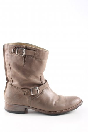 Belstaff Buskins brown casual look