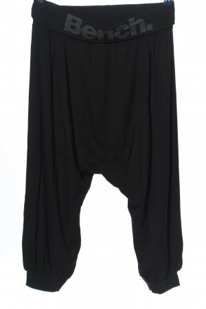 Bench Pantalone Capri nero caratteri stampati stile casual