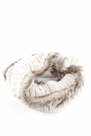 Bench Snood white cable stitch casual look