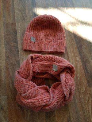 Bench Schal mit Mütze wie neu