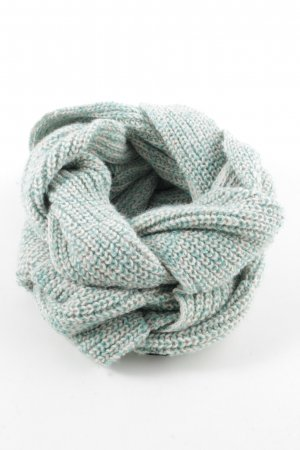 Bench Tube Scarf cable stitch casual look