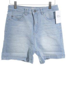 Bench Shorts blassblau Logo-Applikation