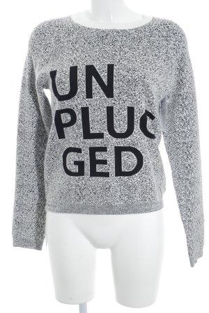 Bench Strickpullover weiß-schwarz Schriftzug gestickt Casual-Look