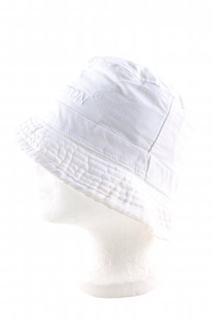 Benetton Bucket Hat white embroidered lettering casual look
