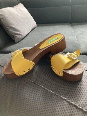 Benetton Sandały na grubym obcasie żółty