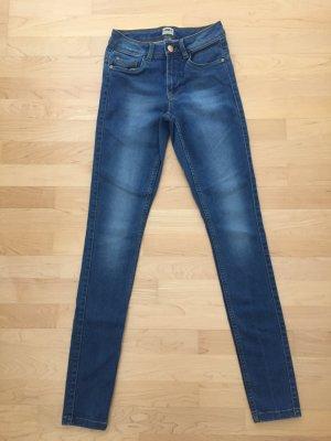 Bequeme blaue Skinny-Jeans