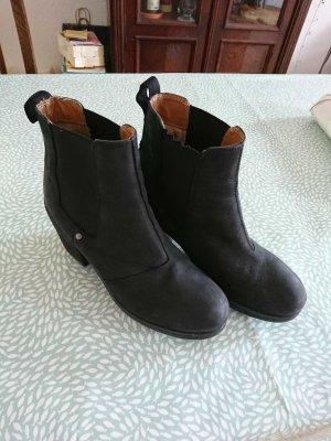 Akira Boots black