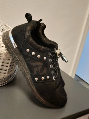 Bequeme Sneakers