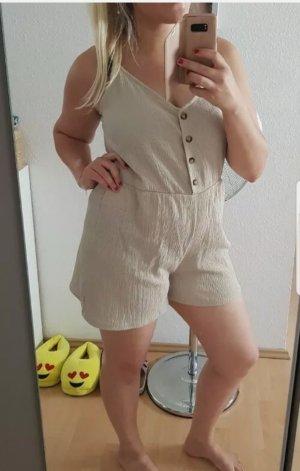 Bequemer kurzer, ärmelloser Jumpsuit aus Jersey. Modell mit V-Ausschnitt (Neu!)