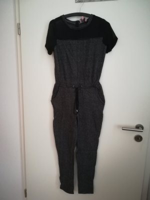 Bequemer Overall