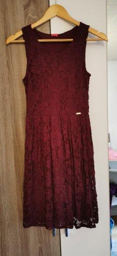 Guess Vestido de encaje rojo zarzamora
