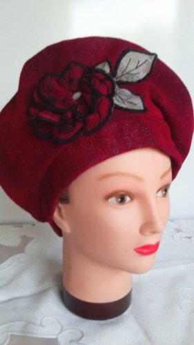 Beret Hut, rot mit Rose, handmade