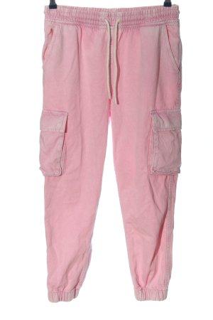 Bershka Vaquero holgados rosa look casual