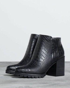 Bershka Low boot noir
