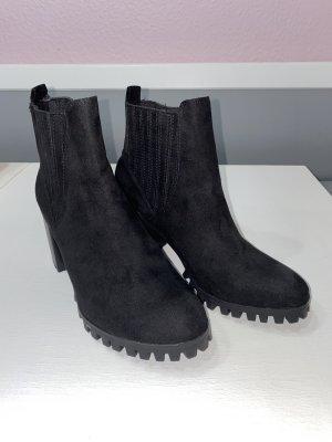 Bershka boots lace up ankle boots Stiefeletten schwarz 38