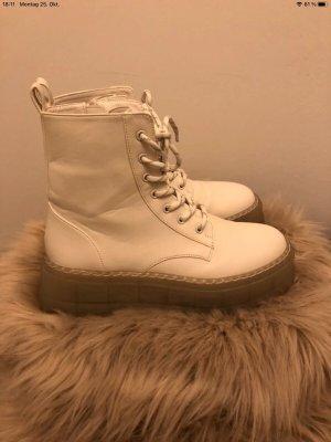Bershka Boots Stiefeletten Gr. 41