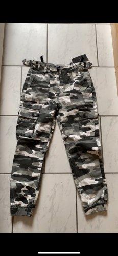 Bershka Camouflage jeans Hose grau