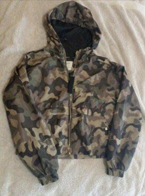 Bershka camouflage Übergangsjacke