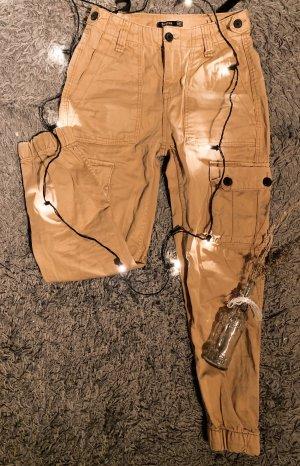 Bershka Pantalone cargo beige-nero