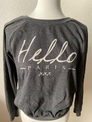 "Bershka ""Hello Paris"" Sweater in Grau"