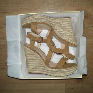 Bershka High Heel Wedge Bast Sandaletten