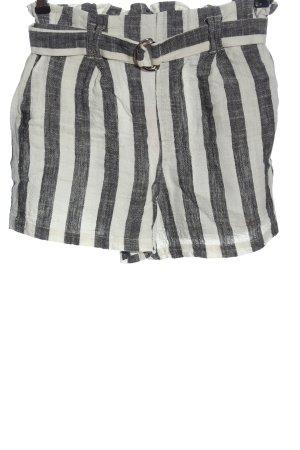 Bershka High-Waist-Shorts schwarz-weiß Streifenmuster Casual-Look