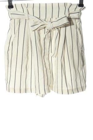 Bershka High-Waist-Shorts wollweiß-schwarz Casual-Look
