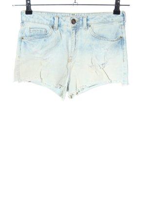 Bershka Hot Pants blau-weiß Farbverlauf Casual-Look