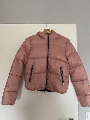 Bershka Krótka kurtka w kolorze różowego złota