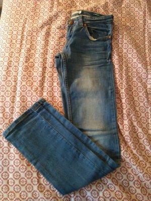 bershka Jeans Gr 32 low waist /straight cut